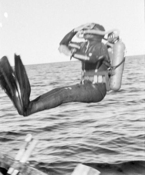 Прыжок с карбаса в Белое море.