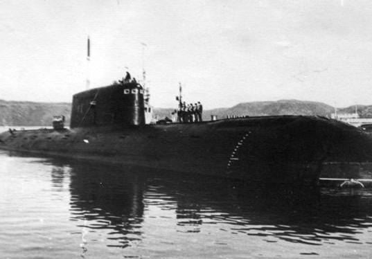 «Комсомолец» затонул на глубине 1 658 метров. Он до сих пор лежит на дне.