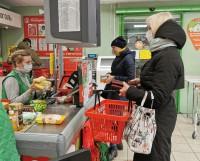 В идеале маски должны носить не только продавцы в магазинах,                    но и покупатели.