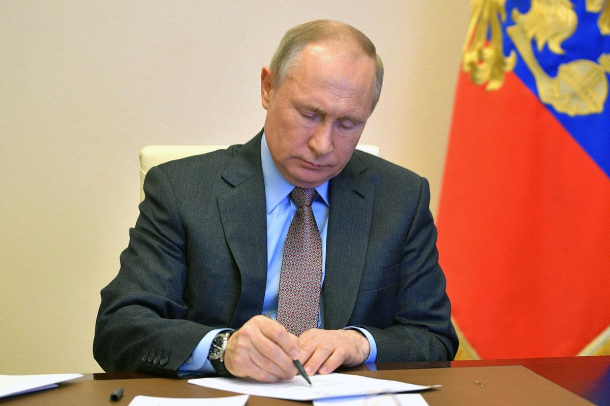 10 тысяч рублей: выплата каждому пенсионеру